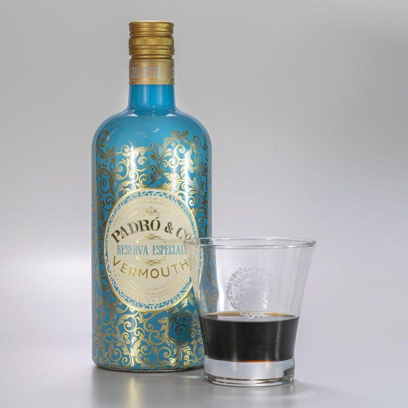 Botella Vermouth Padró & Co. Reserva Especial con vaso Padró & Co.