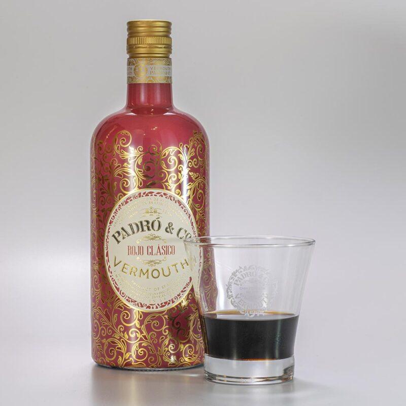 Botella de Vermouth Padró & Co. Rojo Clásico con vaso Padró & Co.